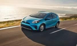 Toyota-Prius_c-2018-1024-01
