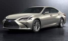 2018-Lexus-ES-300h_studio_front_static