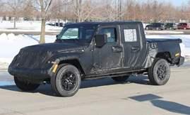 2019-Jeep-Scrambler-Ute-Black-Press-Image-1200x800p-1