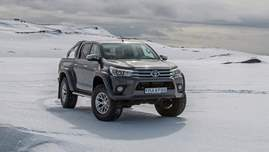 2018-Toyota-Hilux-AT35-910