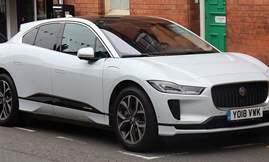 1024px-2018_Jaguar_I-Pace_EV400_AWD_Front