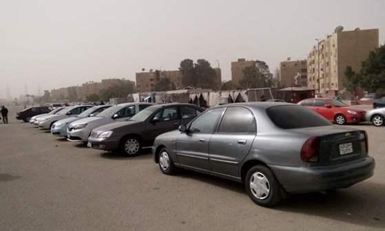 """وفقا لـ""""الموديل"""" وعدد الكيلومتر.. أسعار السيارات المستعملة في سوق الجمعة"""