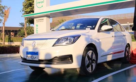 """""""بريجستون"""" و""""النصر"""" تتعاونان لإطلاق سيارات كهربائية في السوق المصرية"""