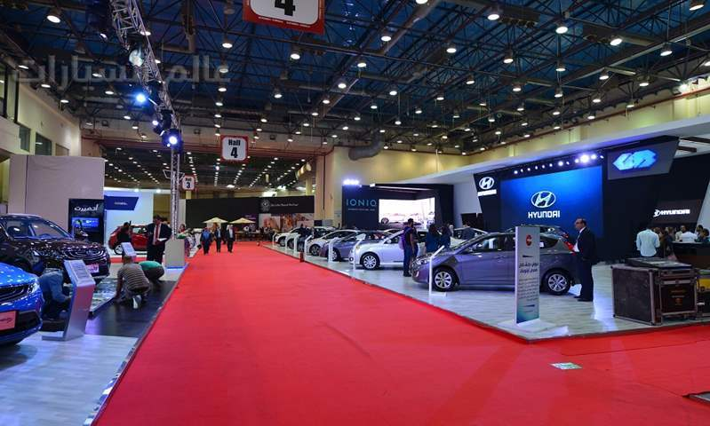 وقف التراخيص وإغلاق سوق المستعمل.. تأثيرات كورونا على سوق السيارات المصري