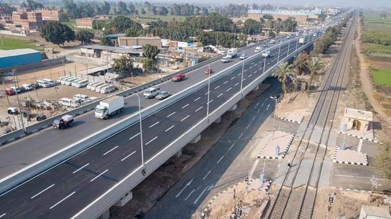 وزير النقل يشهد  بدء التشغيل التجريبي لكوبري قلما العلوي بطريق القاهرة/ إسكندرية الزراعي