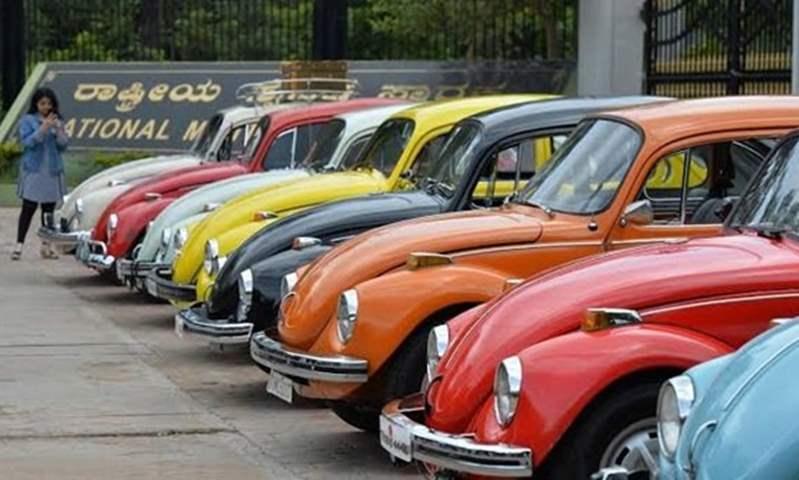 """""""بيزنس العربيات القديمة"""".. مالكي وتُجار السيارات المتهالكة يستغلوا الإحلال للبيع بأسعار باهظة"""