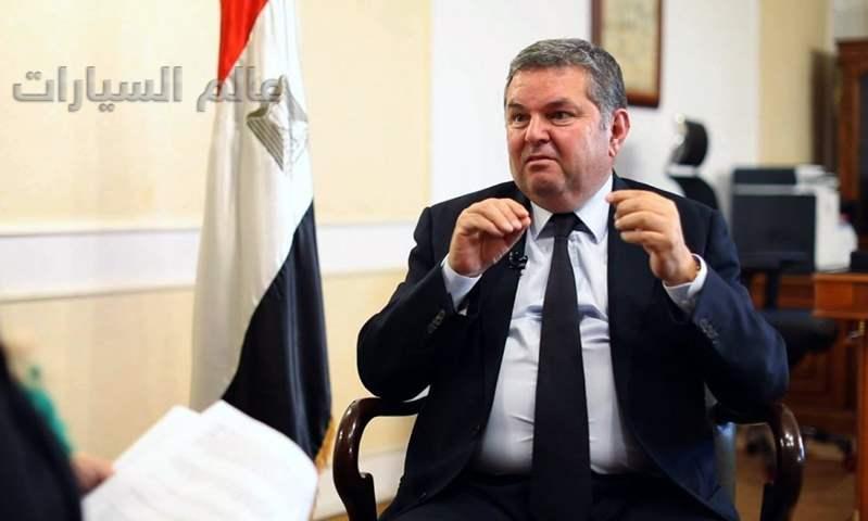 وزير قطاع الأعمال يكشف العديد من تفاصيل السيارة الكهربائية المصرية