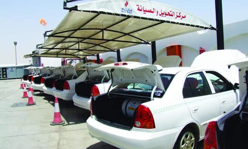 """مستشار وزير البيئة الأسبق  يوضح لـ """"عالم السيارات"""" فوائد الغاز الطبيعي كوقود للسيارات"""