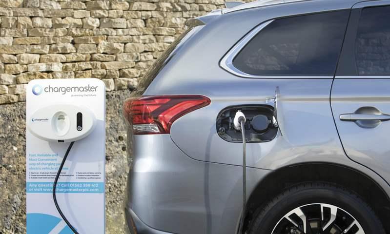 رسميًا.. اليابان تعلن موعد استبدال الوقود التقليدي بالطاقة الكهربائية لتسيير السيارت