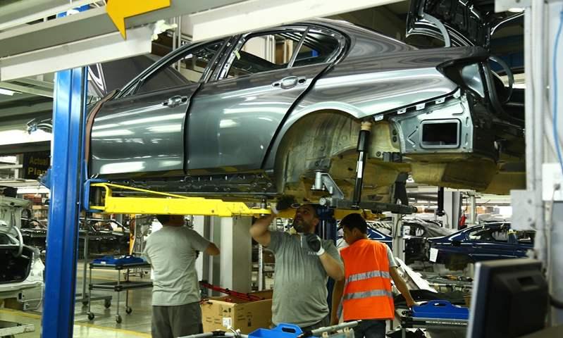 هل يكفي مخزون مكونات الإنتاج  المصانع المحلية لحين انتهاء أزمة كورونا؟