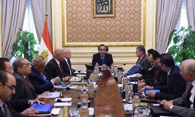 الحكومة تستعد لعرض استراتيجية  صناعة السيارات فى مصر على الرئيس
