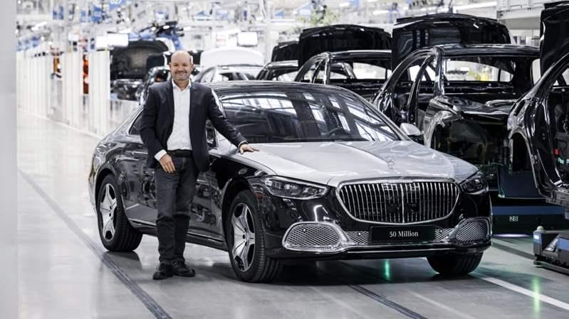 تدشين السيارة رقم 50 مليون لمرسيدس-بنز خلال 75 عام .. تحت اسم مايباخ S 580