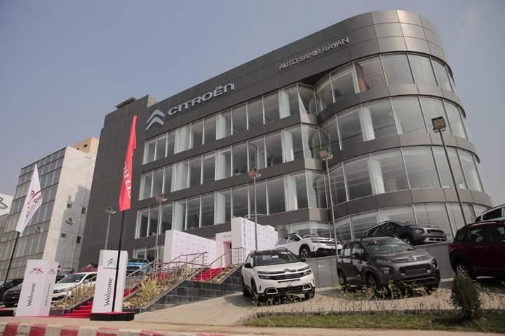 """""""أوتو سمير ريان"""" تفتتح أحدث صالة عرض جديدة لـ سيارات ستروين بالقطامية"""