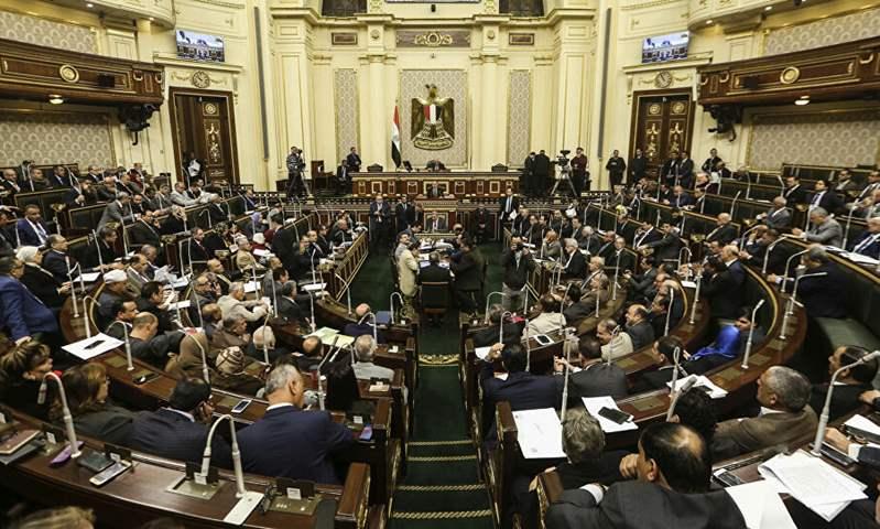 مجلس الشعب المصري يقر زيادة سنوية 6% من أصل قيمة رسوم تراخيص السيارات