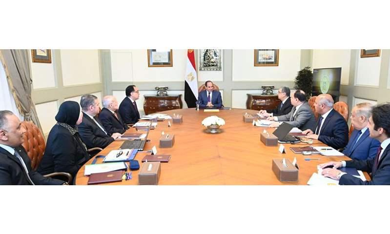 الرئيس يوجه بالشروع في إطلاق استراتيجية صناعة السيارات  فى مصر