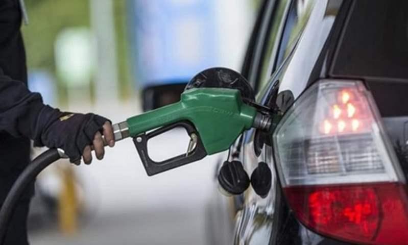 برلماني يوضح هل ستقل  تسعيرة المواصلات بعد انخفاض أسعار البنزين