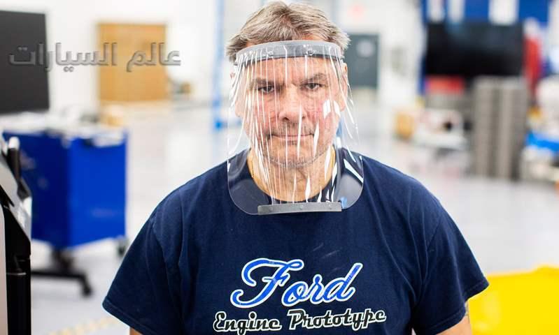 فودر تبني أجهزة تنفس في مصنع تجميع سيارات موستانج