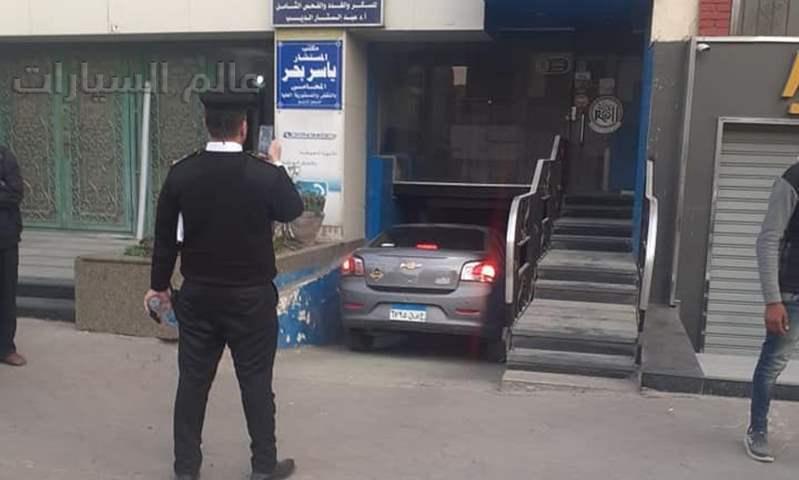 محافظة القاهرة تقود حملة لمنع تحول الشوارع لجراجات انتظار السيارات
