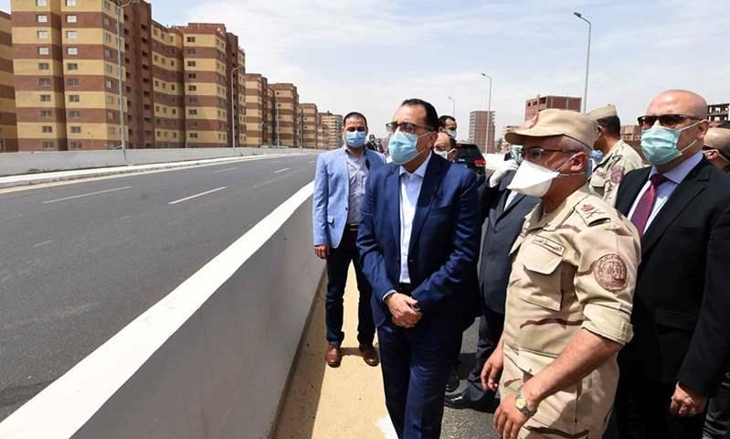 رئيس الوزراء يتفقد محور الفريق إبراهيم العربي وعدد من المشروعات الأخرى