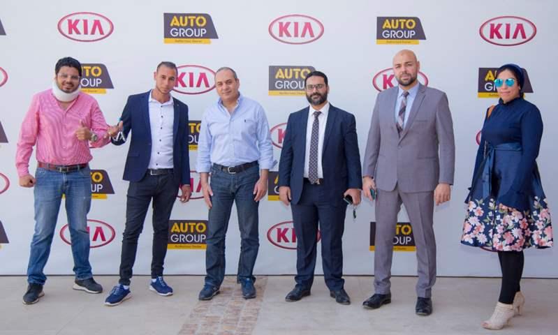 بالصور.. القصراوي تسلم سيارة هدية في مسابقة بالتعاون مع اتصالات مصر ومزيكا