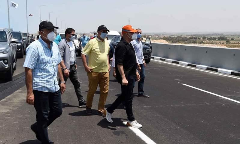 رئيس الوزراء يشهد تشغيل الطريق الساحلي الجديد بطول 50 كيلومترًا