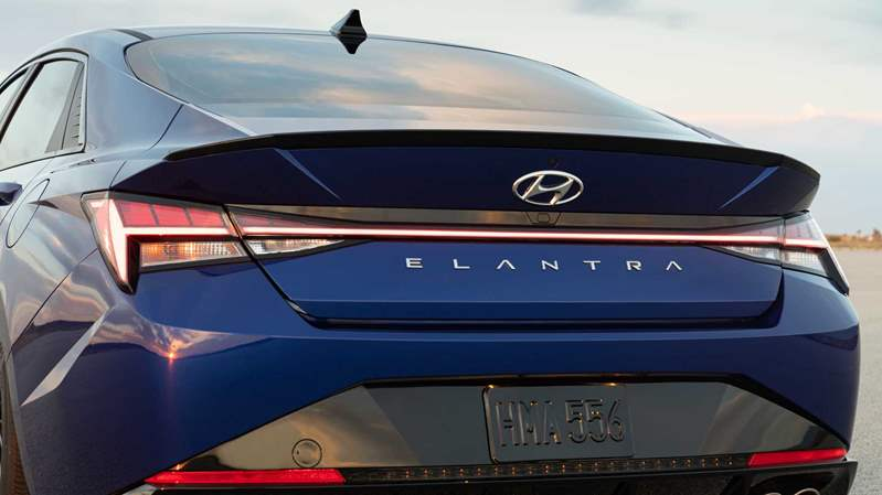 2021-hyundai-elantra-n-line-sedan-rear-look