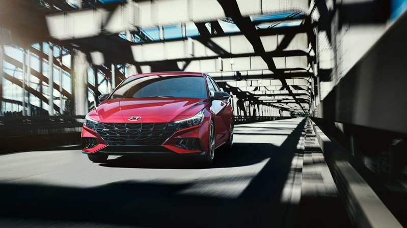 2021-hyundai-elantra-n-line-sedan-red-body (2)