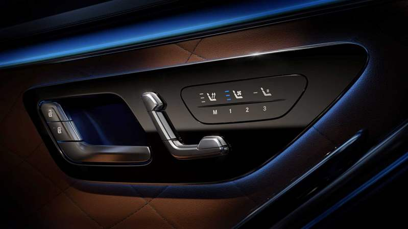 2021-mercedes-benz-s-class-ambient-lighting (3)
