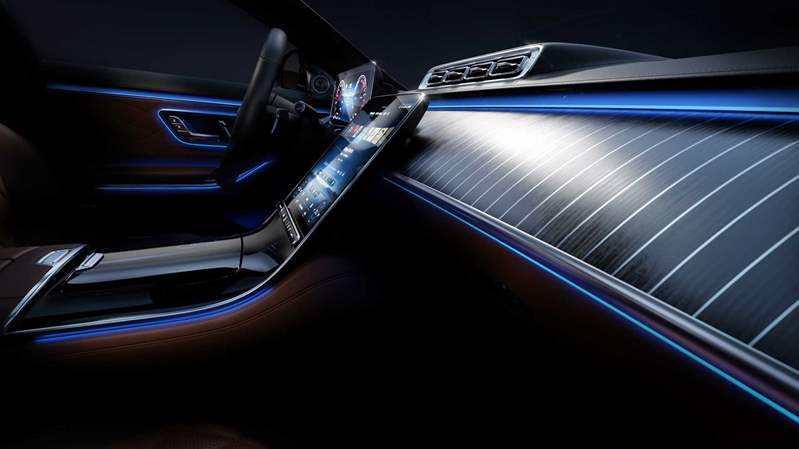 2021-mercedes-benz-s-class-ambient-lighting (5)
