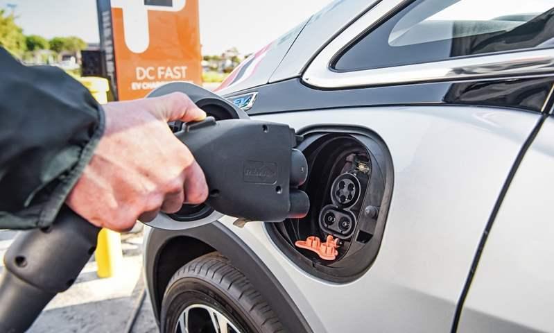 إنشاء 3000 محطة شحن سريع للسيارات الكهربائية خلال 3 سنوات