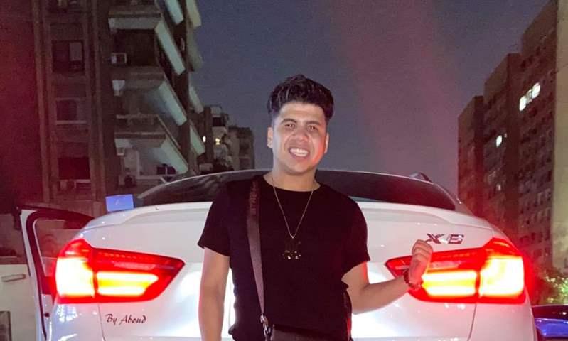 عمر كمال ينشر صورة مع سيارته الجديدة طراز BMW X6 .. تعرف على الأسعار والمواصفات