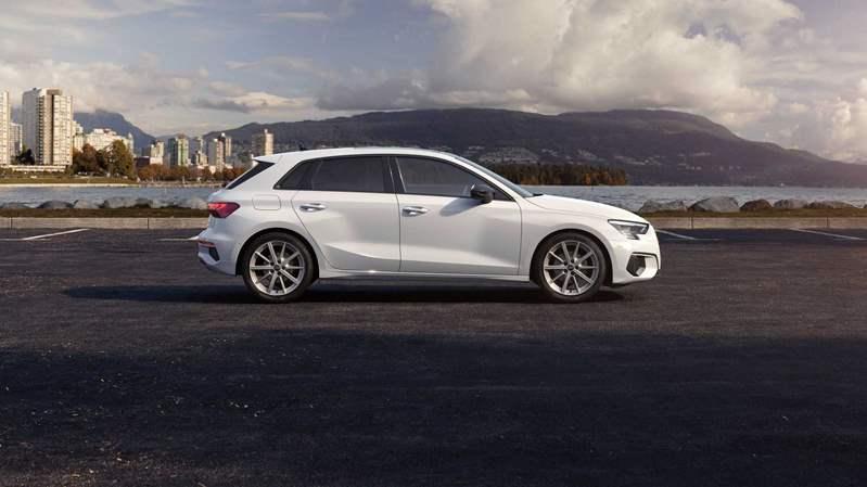 Audi A3 Sportback 30 G-Tron (4)