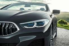 97-bmw-8-series-cabrio-official-reveal-headlights