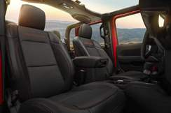 88-jeep-gladiator-official-reveal-seats
