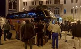 وزير النقل يتابع نقل أتوبيسات السوبرجيت لركاب قطارات السكك الحديدية التي تصل قبل موعد الحظر مباشرة أو تصل بعد موعد الحظر عبر أتوبيسات السوبرجيت إلى عدد من الأماكن العامة بالقاهرة
