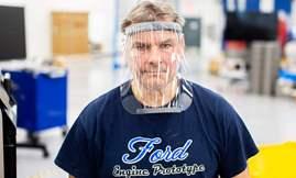 فودر تبني أجهزة تنفس في مصنع تجميع سيارات موستانج  2
