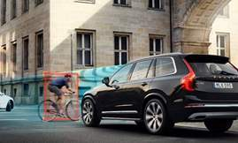 253952_Volvo_Cars_and_POC_develop_world-first_car-bike_helmet_crash_test_1024x768