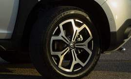 All-new Duster_Front wheel right (2)
