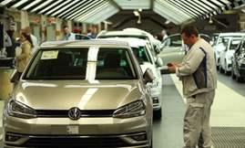 104476599-Volkswagen_Wolfsburg_Plant.530x298