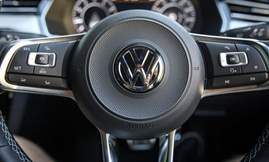 2018-Volkswagen-Arteon-6663