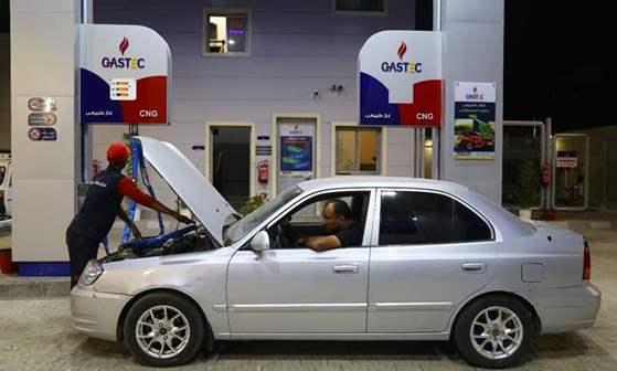 وزير البترول : 400 محطة تؤدي خدمة تموين السيارات بالغاز الطبيعي