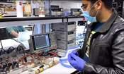 تسلا تطوّر أجهزة تنفس طبية لمرضى كورونا من قطع غيار سياراتها  5